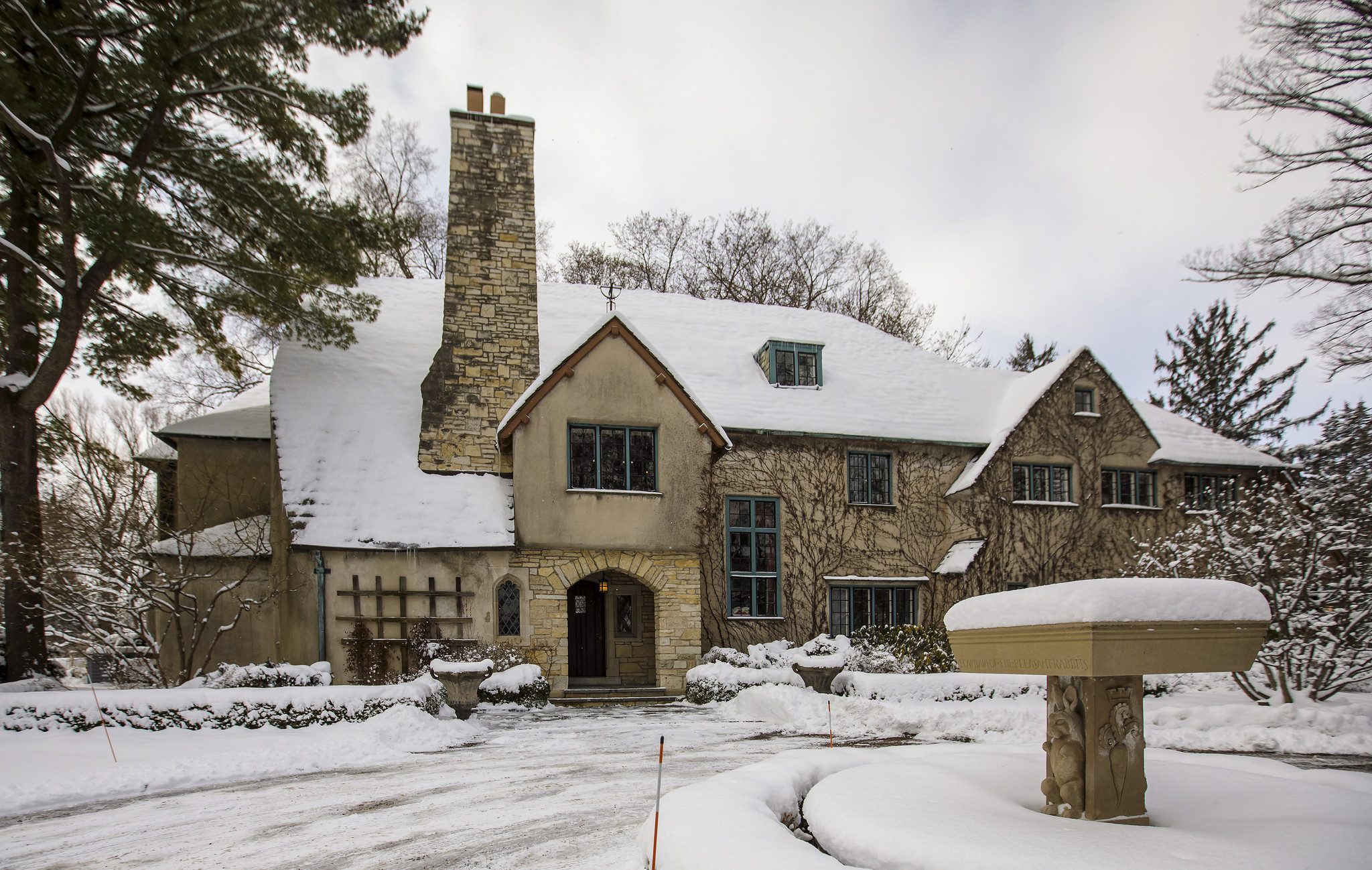 Before and after: Transforming a Lake Forest house into a designer fantasy