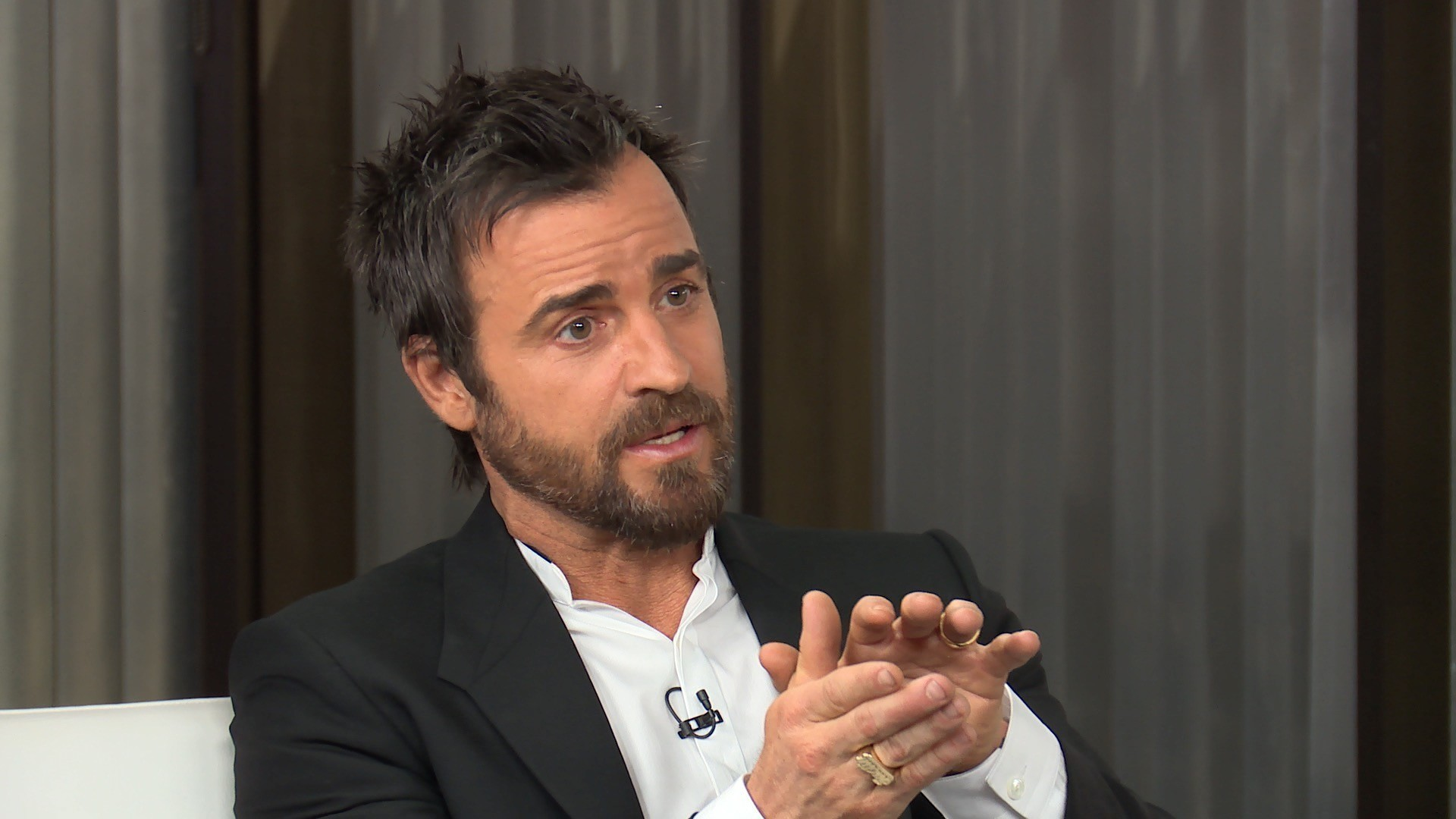 Writers Round Table Justin Theroux Regina King And More Discuss Possible Writers