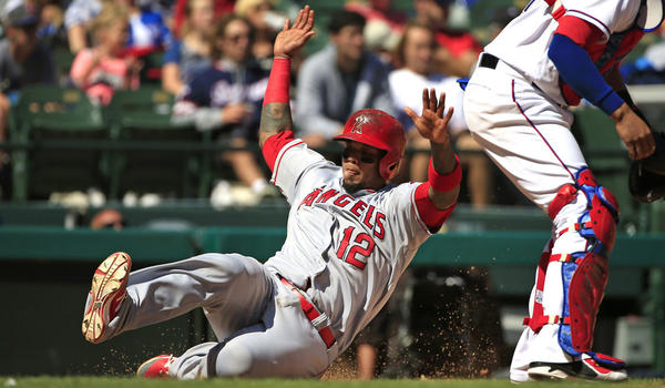 Angels defeat Rangers, 5-2, to conclude April above .500