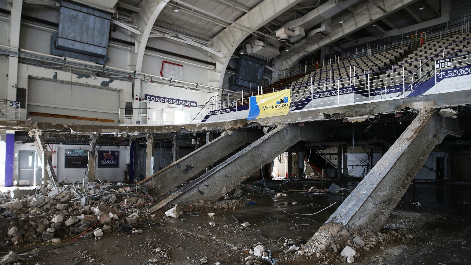 Ct-demolition-of-welsh-ryan-arena-makes-space-for-new-facility-video-20170501