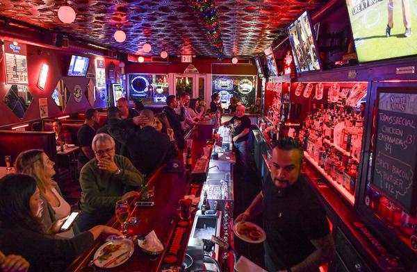 America 39 s most authentic dive bars baltimore sun - Dive bar definition ...