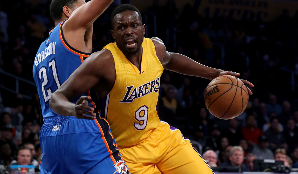 Luol Deng has outpatient surgery to repair offseason pectoral