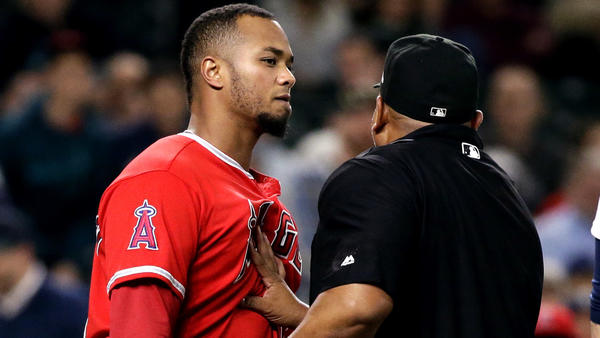 Big sixth inning is not enough for Angels as Mariners rally for four in eighth