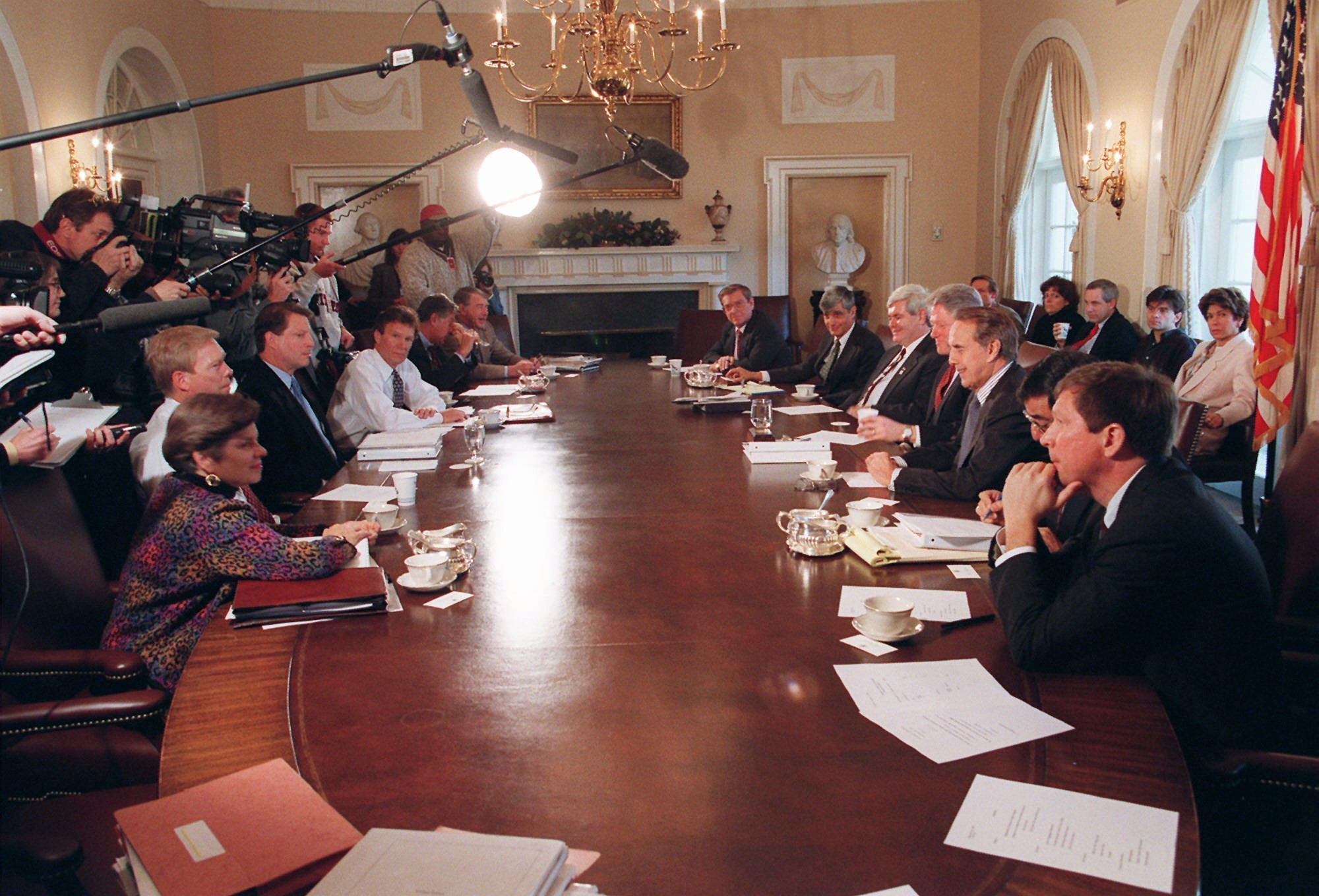 President Clinton and bipartisan leaders meet at the White House on Dec. 30, 1995, for talks on the federal budget.