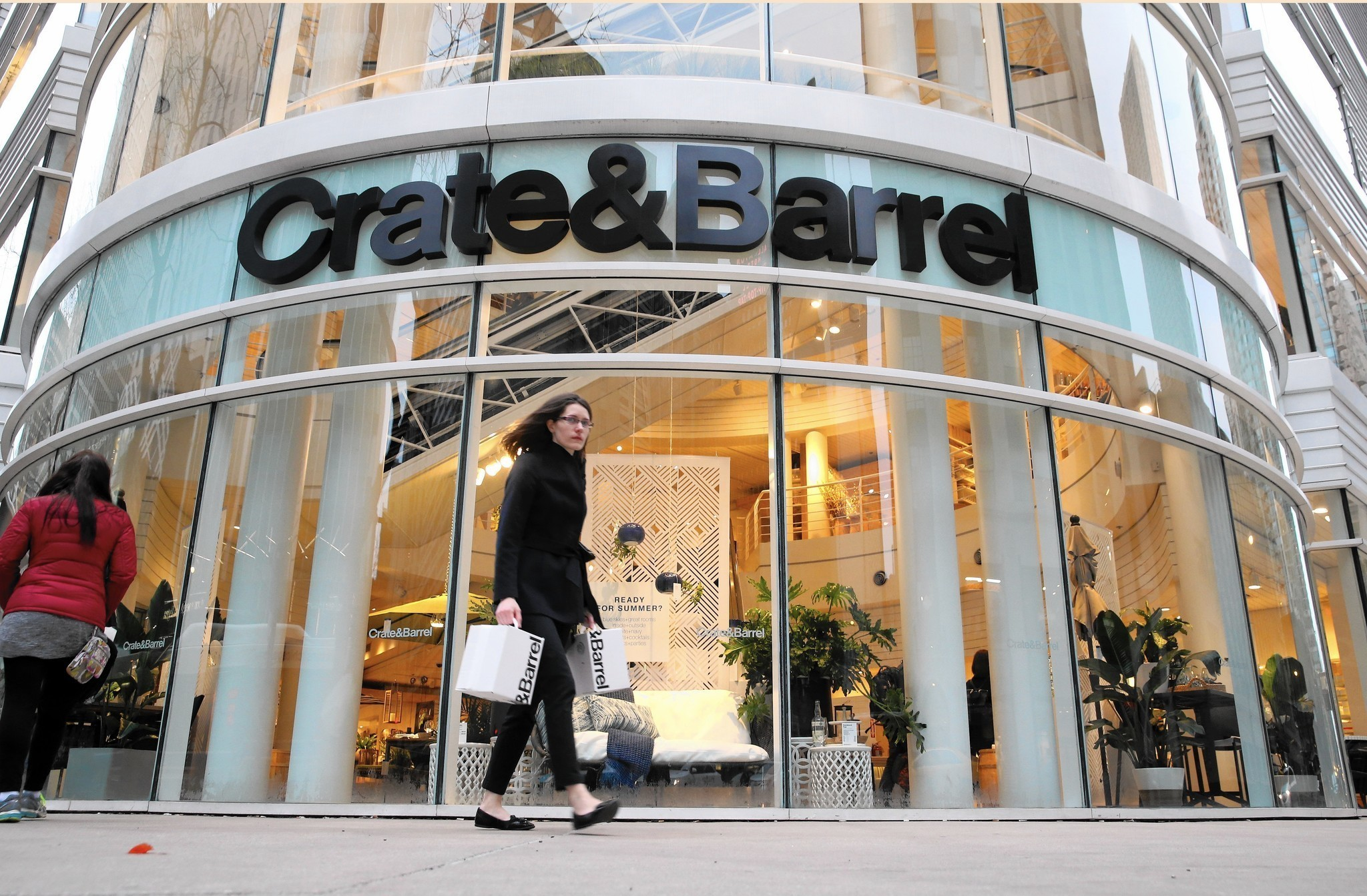 crate barrel names new ceo a month after previous one. Black Bedroom Furniture Sets. Home Design Ideas