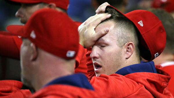 Mike Trout sits out against Astros because of hamstring tightness