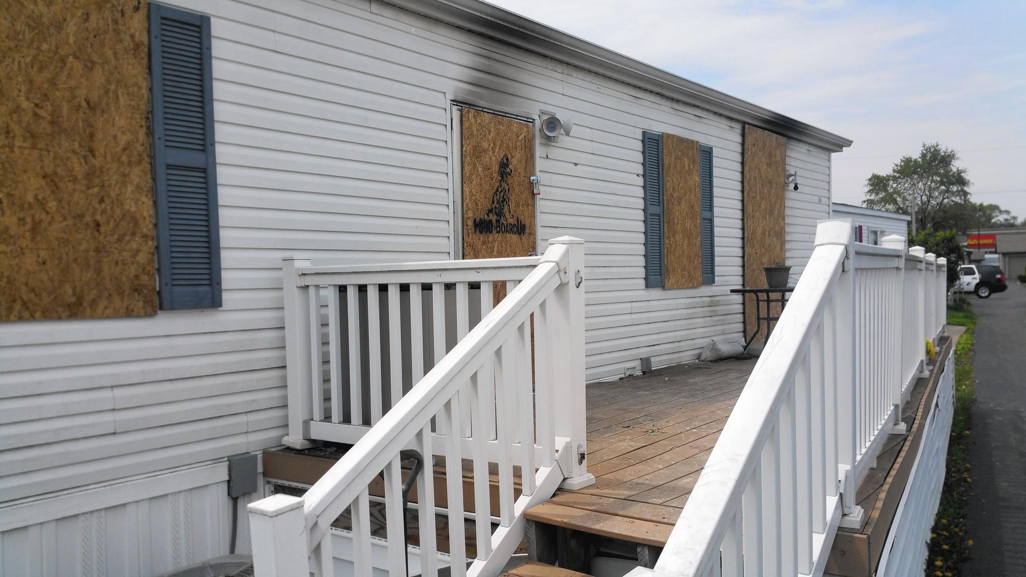 Oak Lawn Woman Dies After Fire In Trailer Park Home