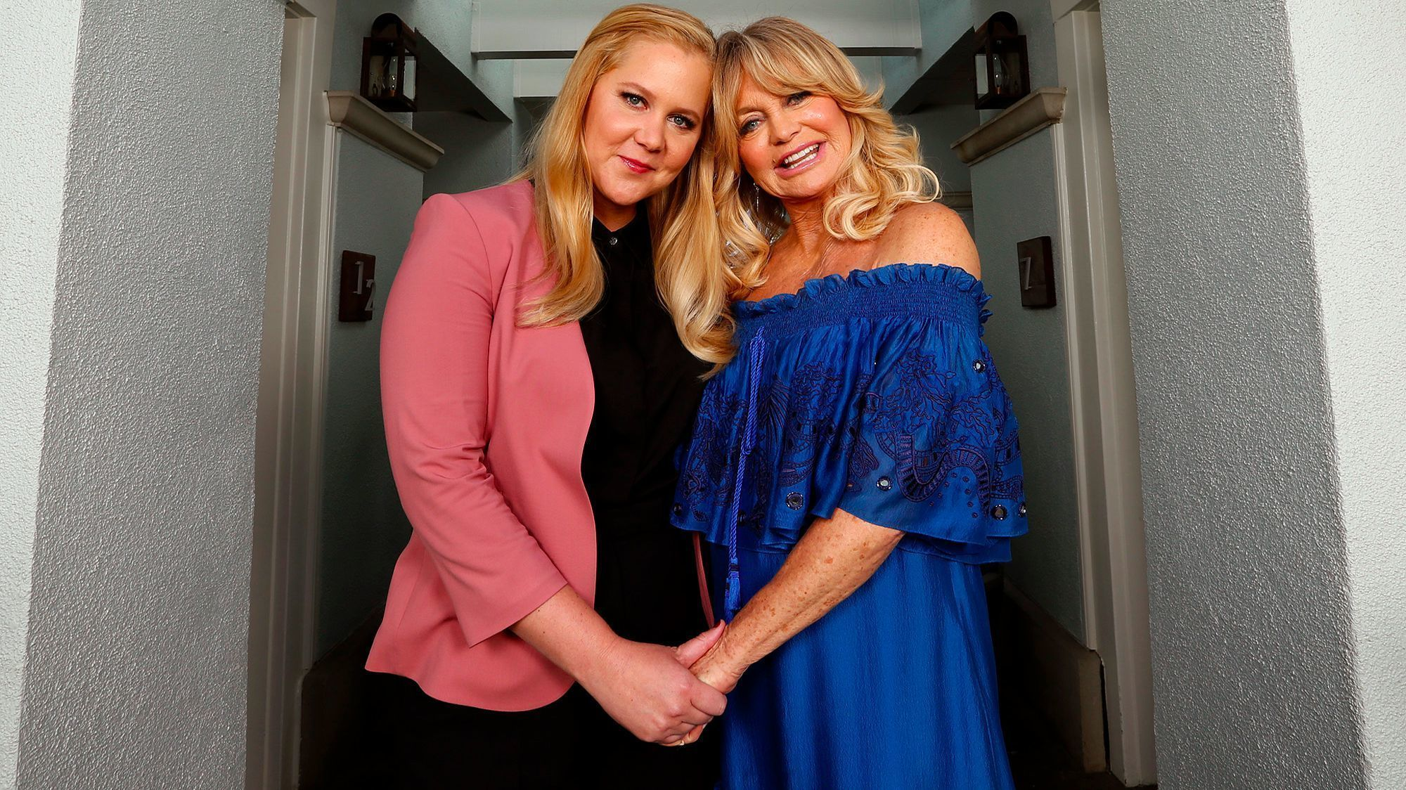 Snatched Pair Amy Schumer And Goldie Hawn Enjoy An