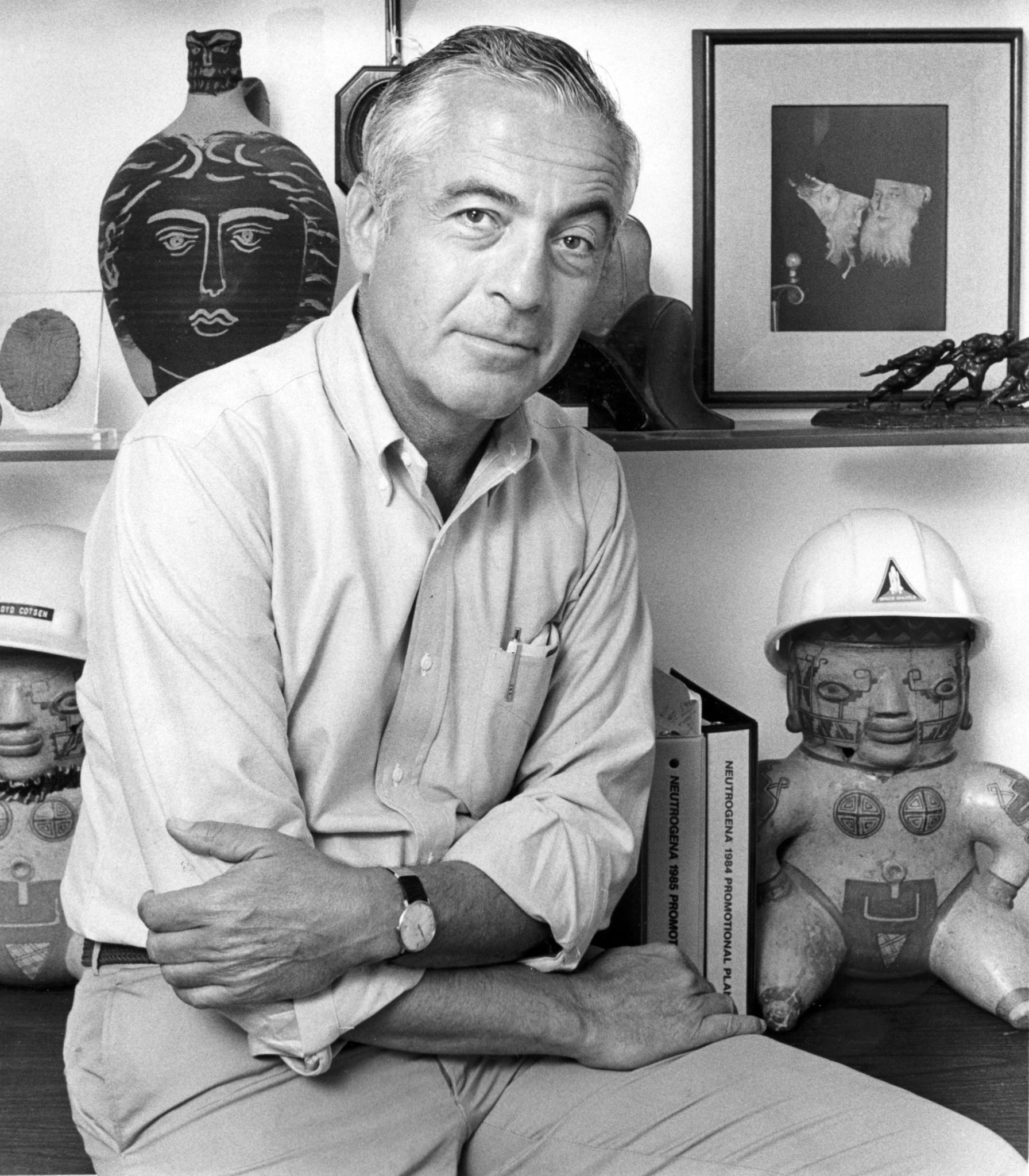 Lloyd Cotsen, the multimillionaire soap salesman who became an elite L.A. philanthropist, dies at 88