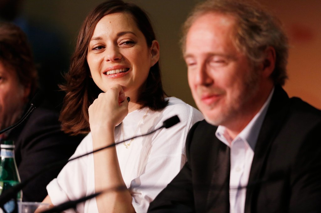 "Marion Cotillard, left, and Arnaud Desplechin attend a news conference for the movie ""Ismael's Ghosts"" at the Cannes Film Festival on May 17, 2017. (Getty Images)"