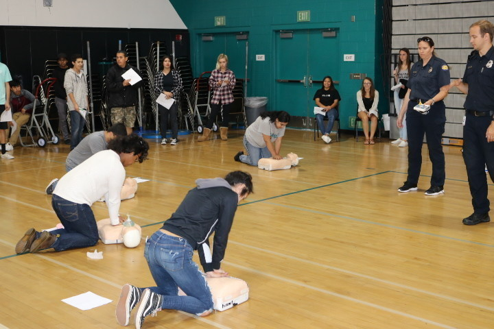 Valley Center High Students Get Cpr Training The San Diego Union