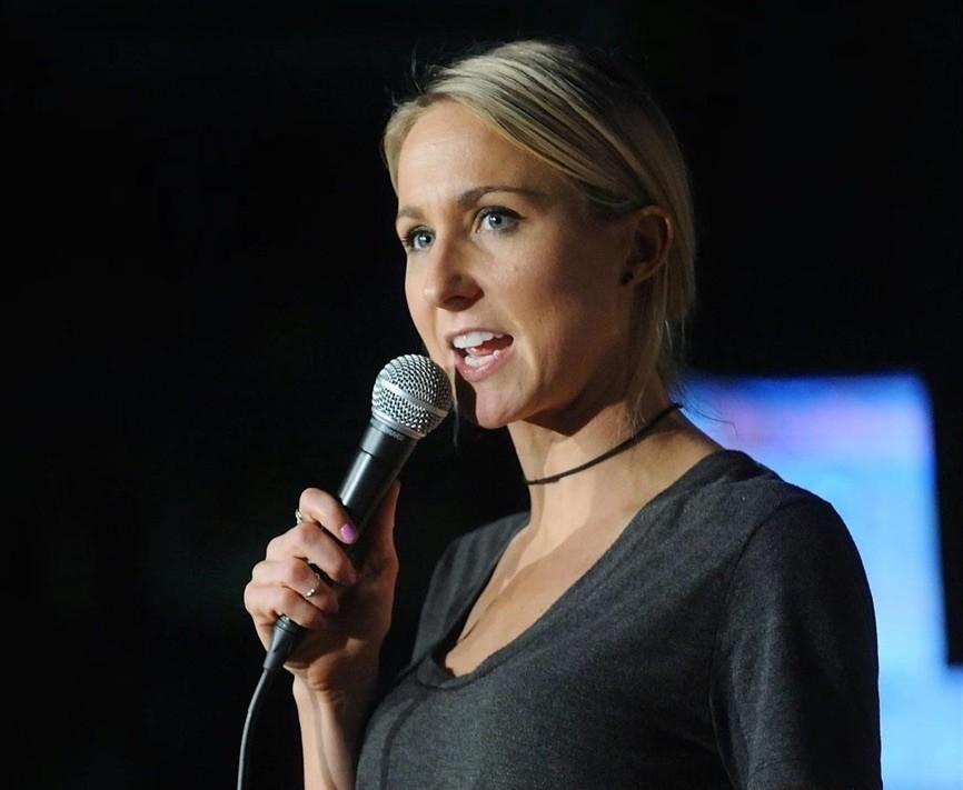 Review: Nikki Glaser is long on the racy stories, short on jokes ... | {Gläser 68}