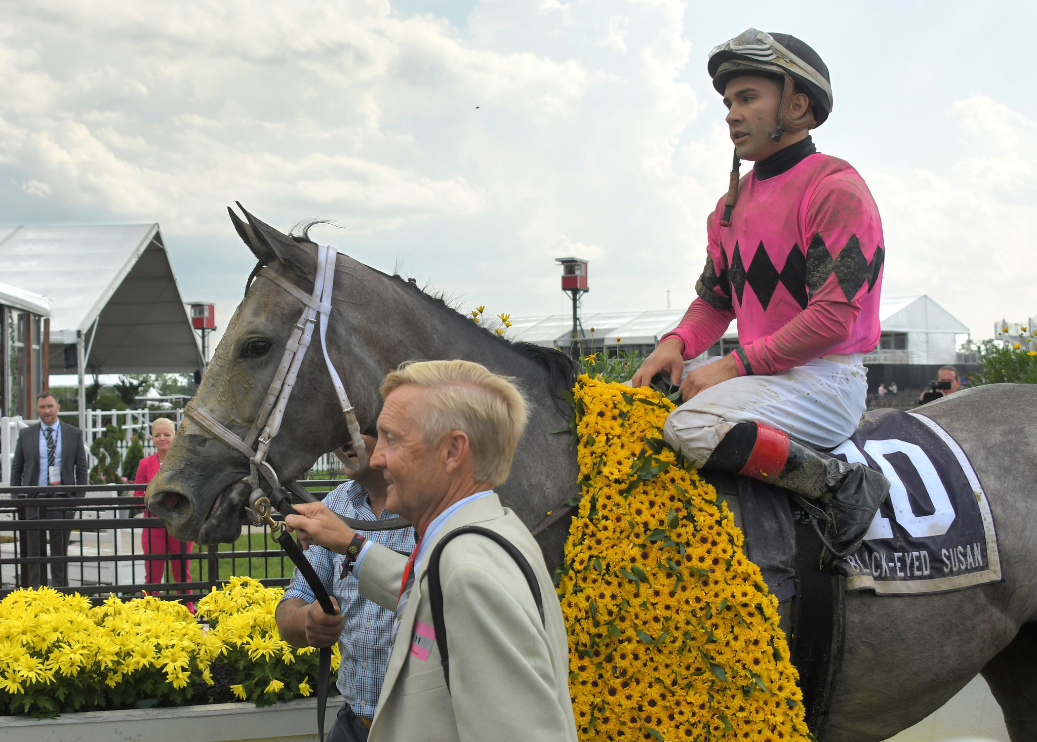 Black-Eyed Susan win was emotional for jockey from Maryland