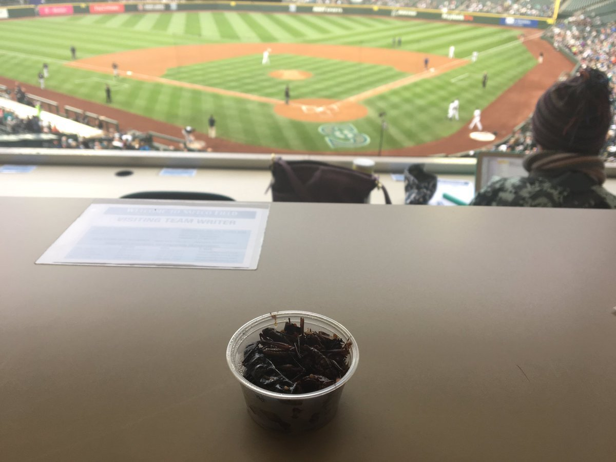 Ct-grasshoppers-mariners-ballpark-food-spt-0522-20170521