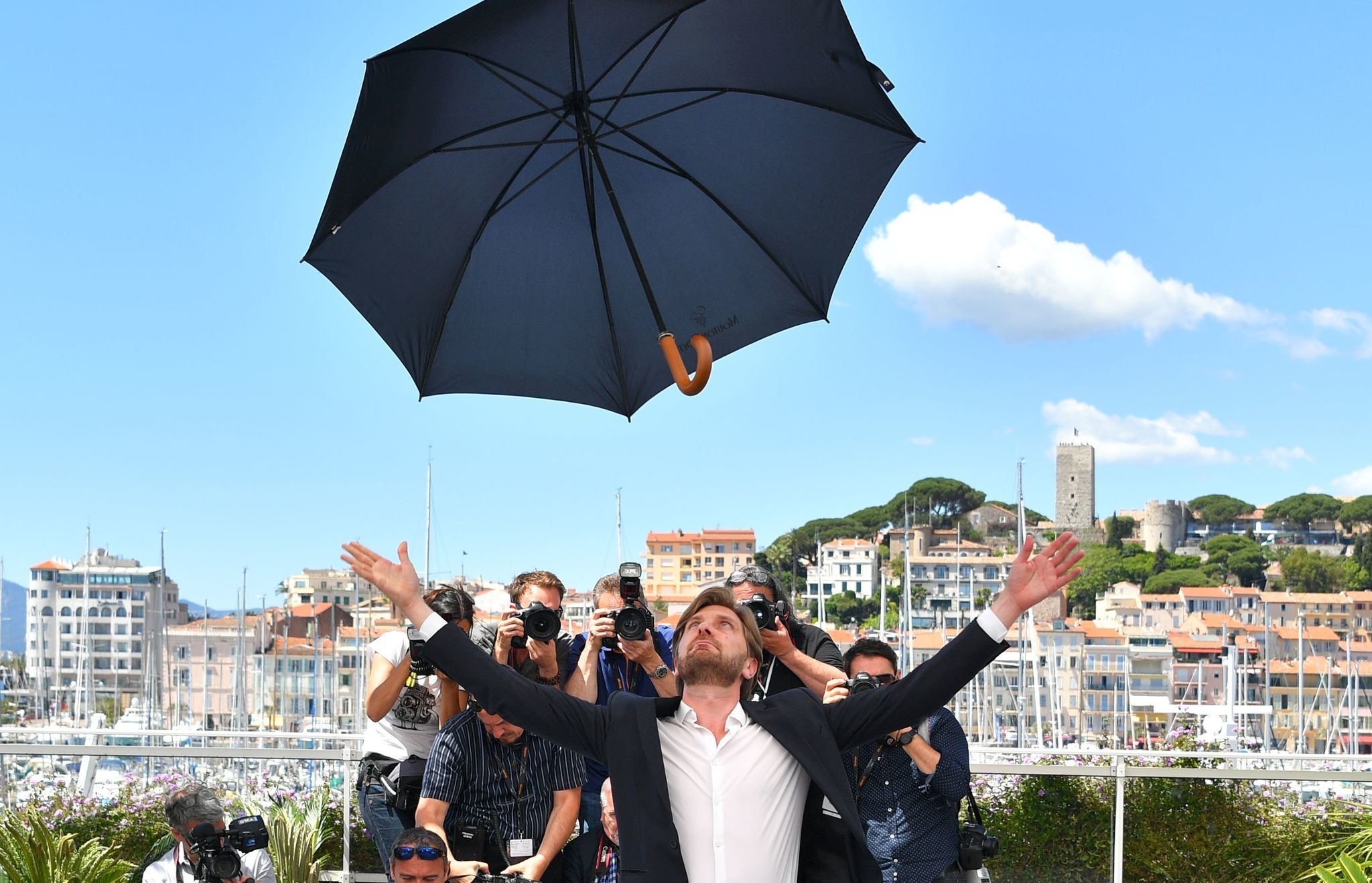Swedish director Ruben Ostlund poses on May 20, 2017 during a photocall for his new film 'The Square' at the 70th edition of the Cannes Film Festival.
