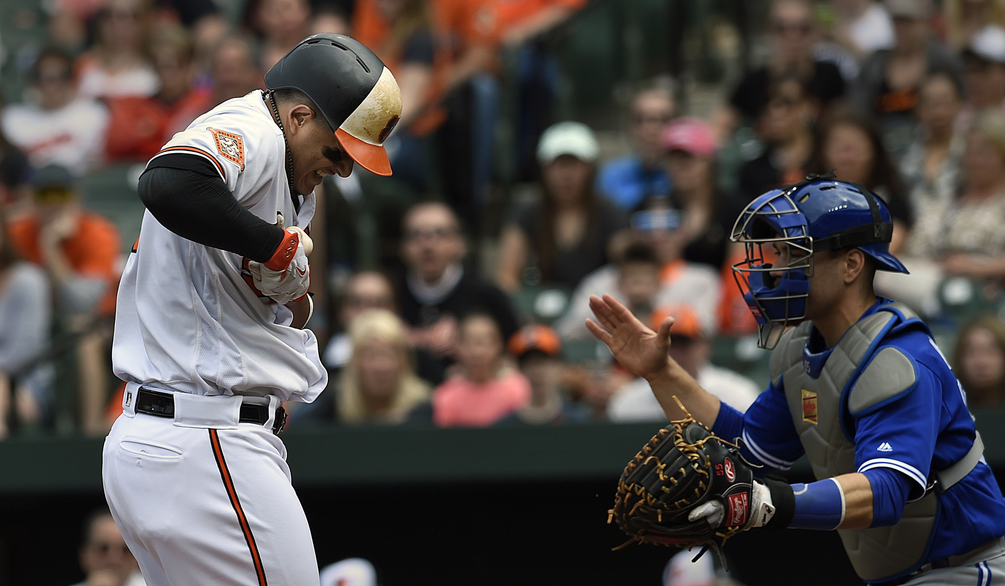 Bal-orioles-notebook-machado-to-have-precautionary-x-rays-on-left-hand-after-being-hit-by-pitch-20170521