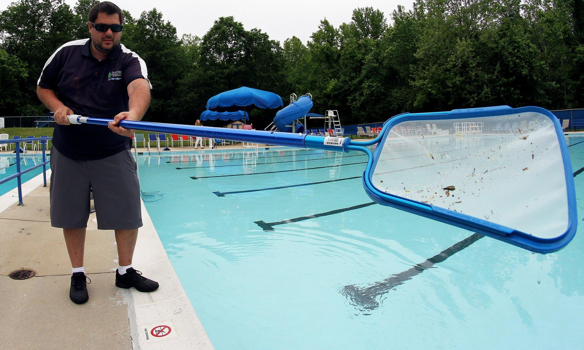 Parks and rec prep city pools for memorial day weekend debut laurel leader laurel maryland news for Laurel municipal swimming pool