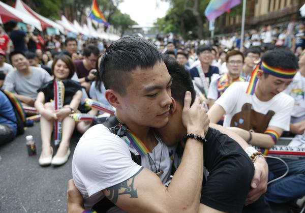 Taiwain court rules in favor of same sex-marriage