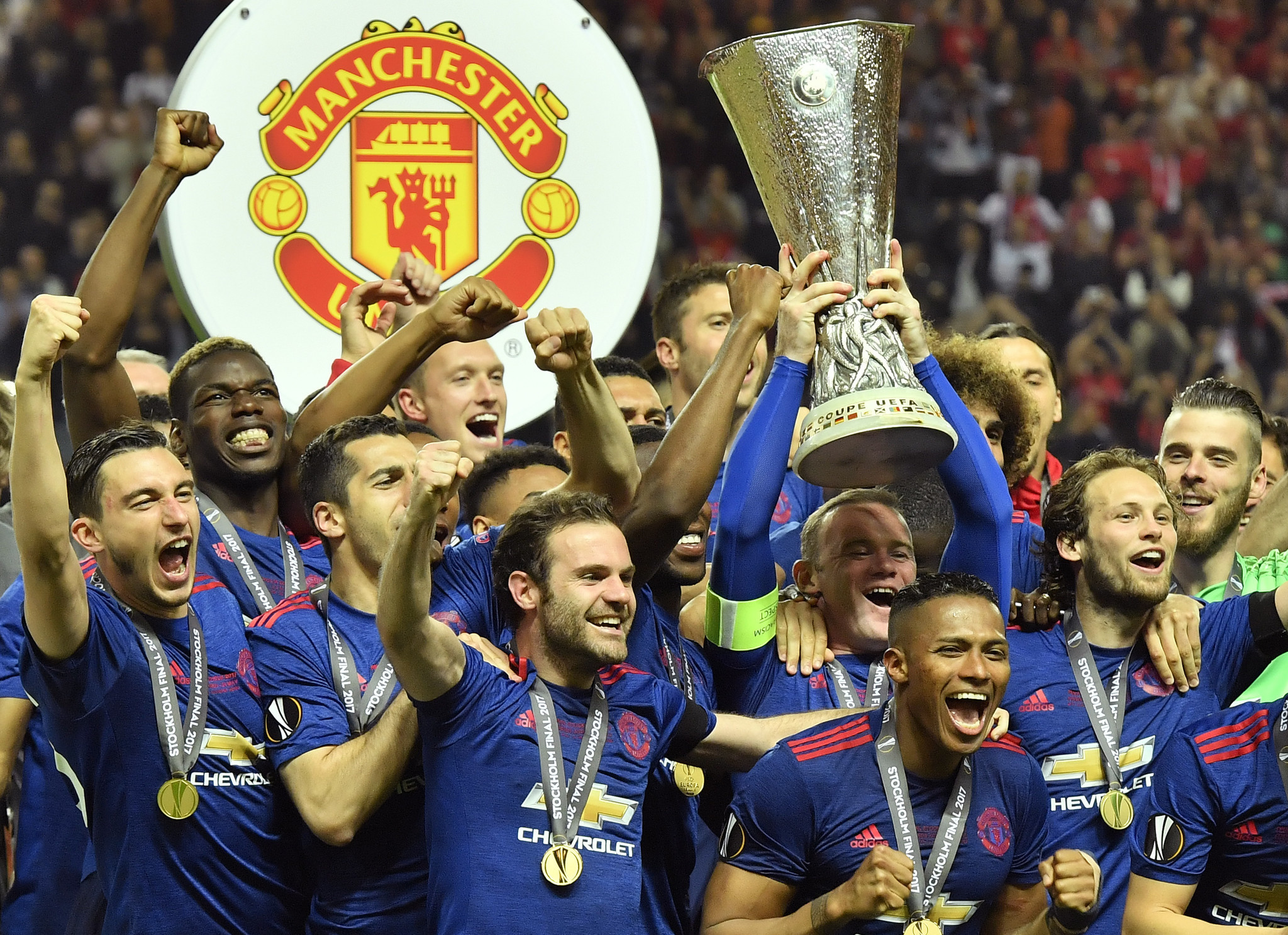 Manchester United honors home city in Europa League title win