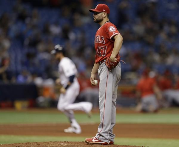 Angels offense shuts down after early burst in 5-2 loss to Rays