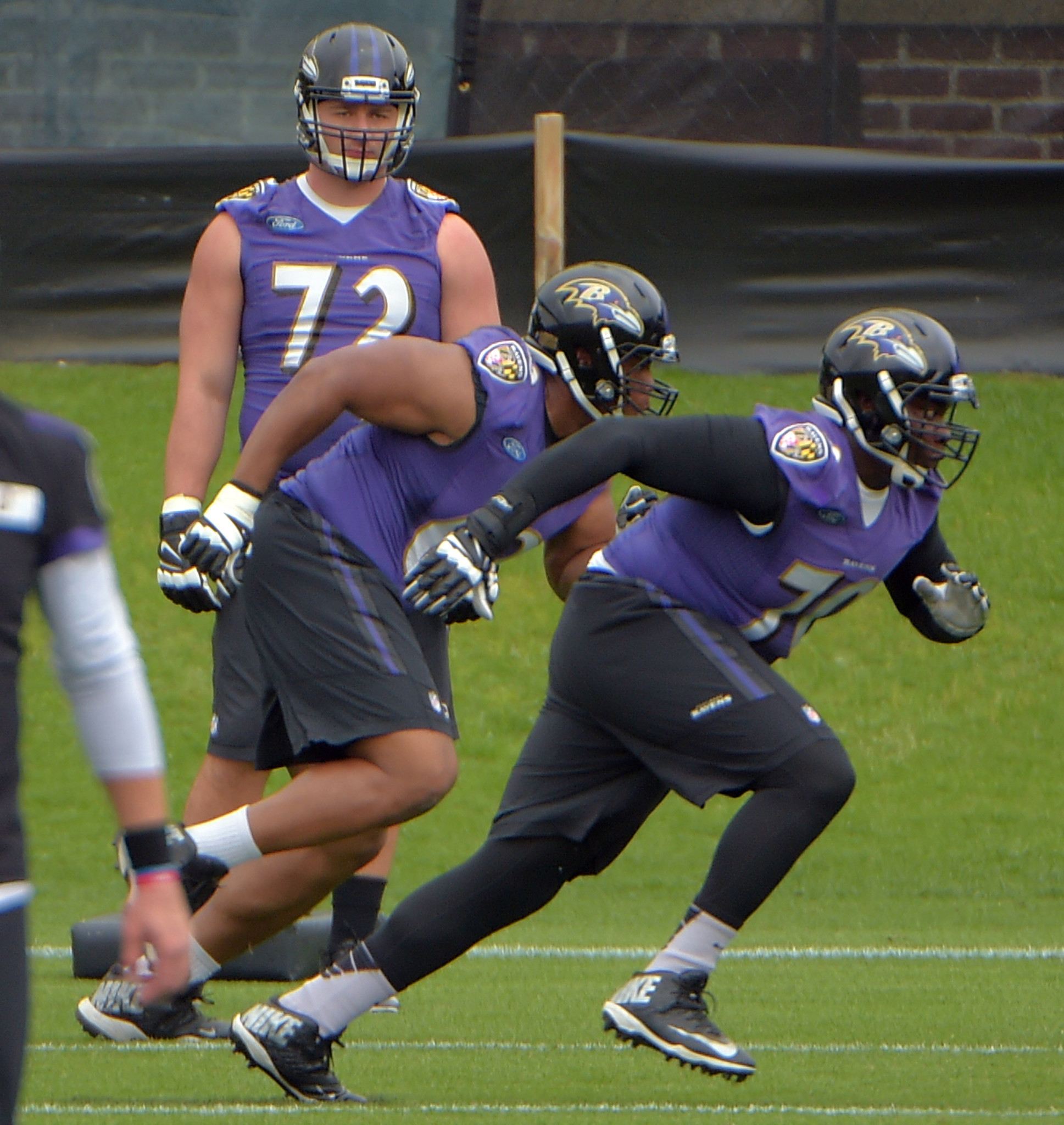 Bal-harbaugh-pleased-with-attendance-at-first-ravens-open-practice-20170525