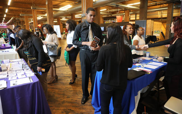 Chicago metro area hits record low unemployment in April