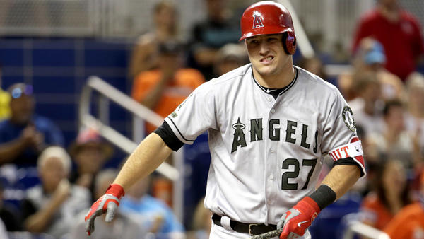 Mike Trout sprains his left thumb and leaves game during Angels