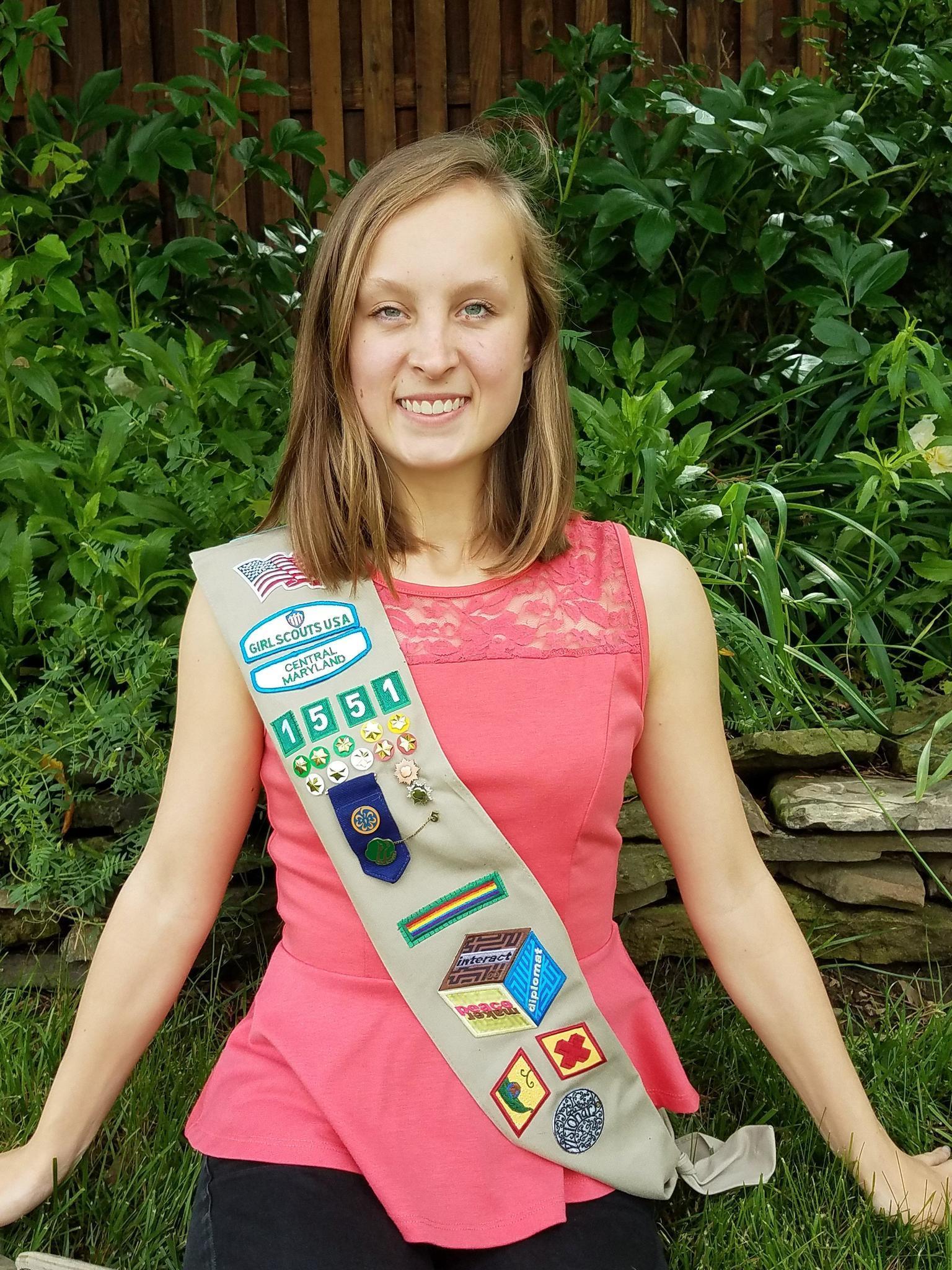 crofton odenton arundel high junior  pletes girl scout