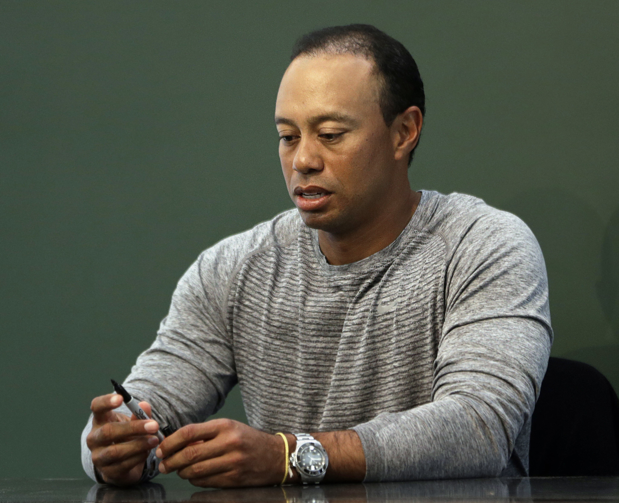 tiger woods mistakenly offered  u0026 39 to recite national anthem