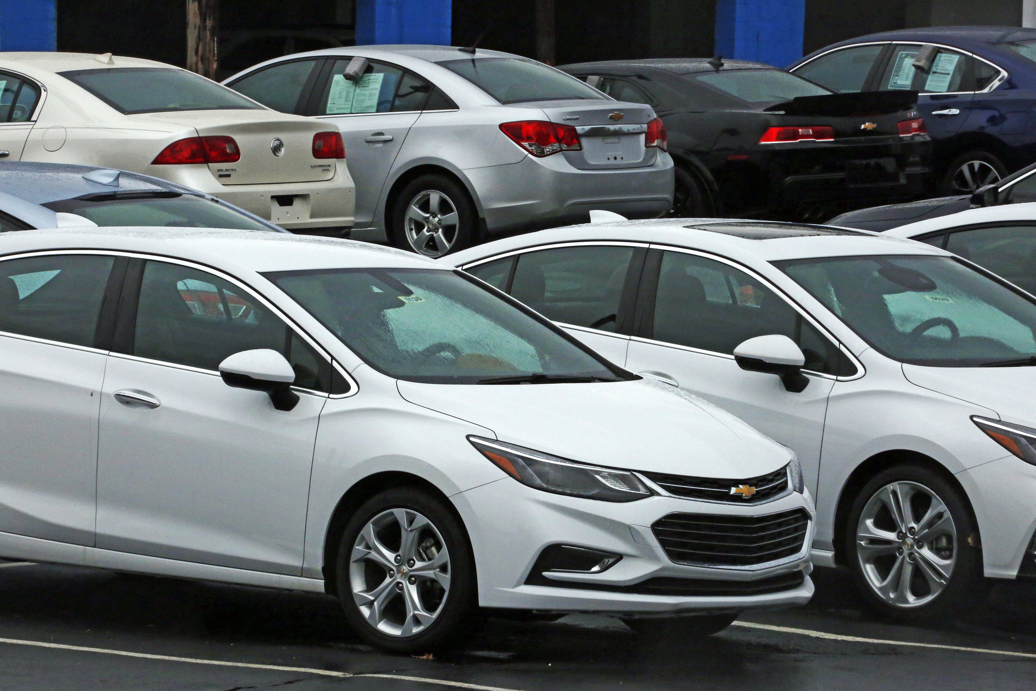 May Car Sales Are Flat The Sedan Heads Toward Irrelevance La Times