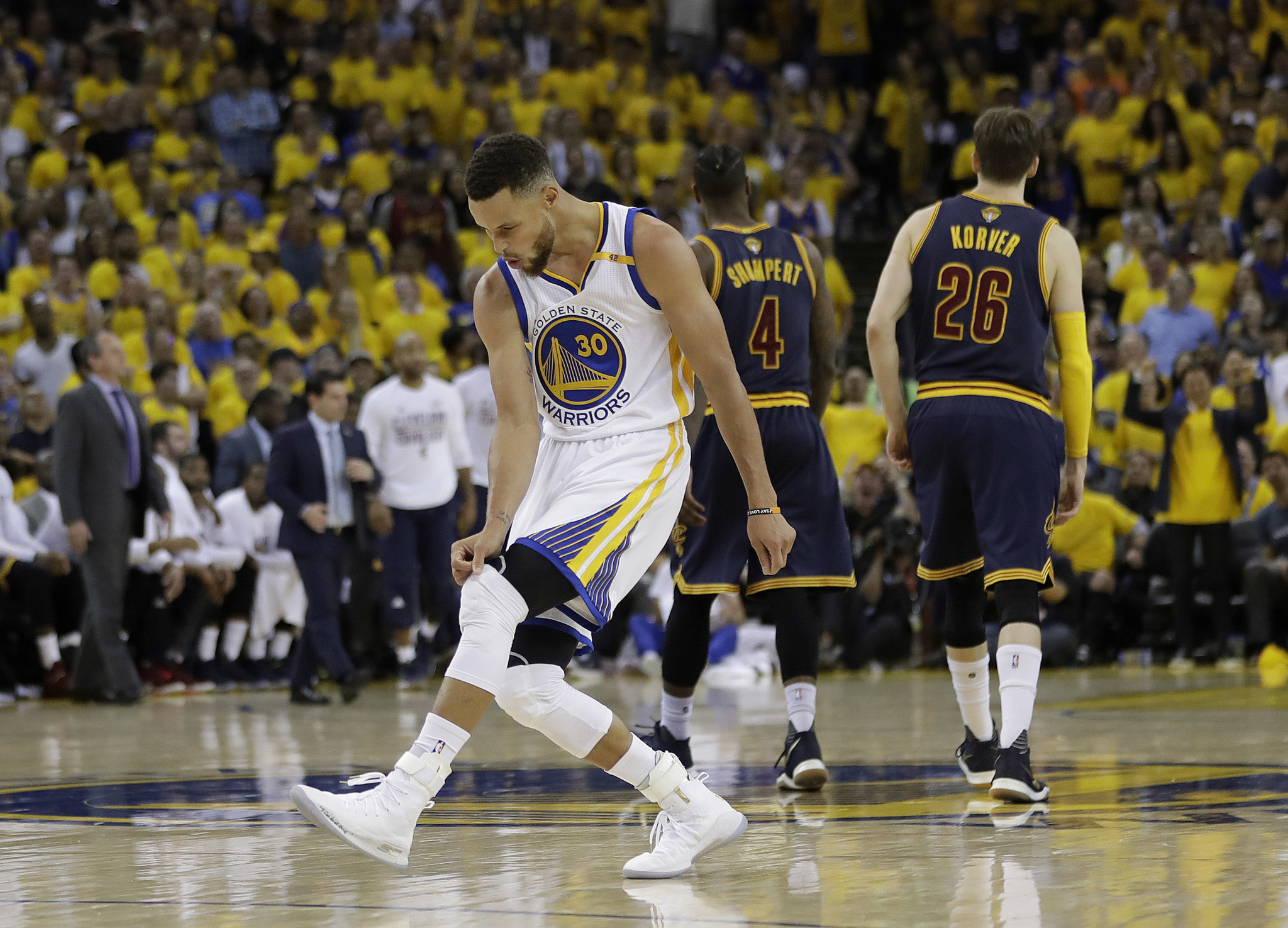 Warriors rout Cavaliers 113-91 to win Game 1 of NBA Finals ...