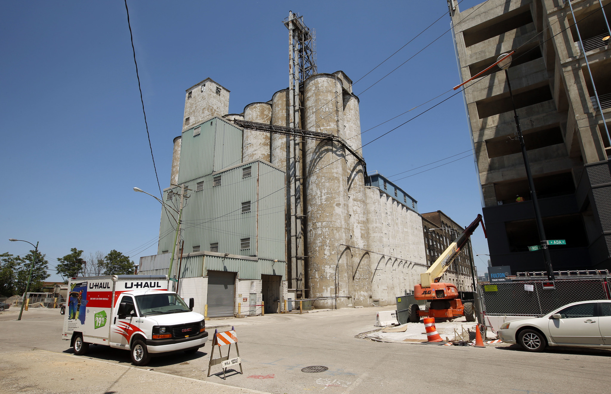 ADM to close Fulton Market wheat mill for new LaSalle County plant