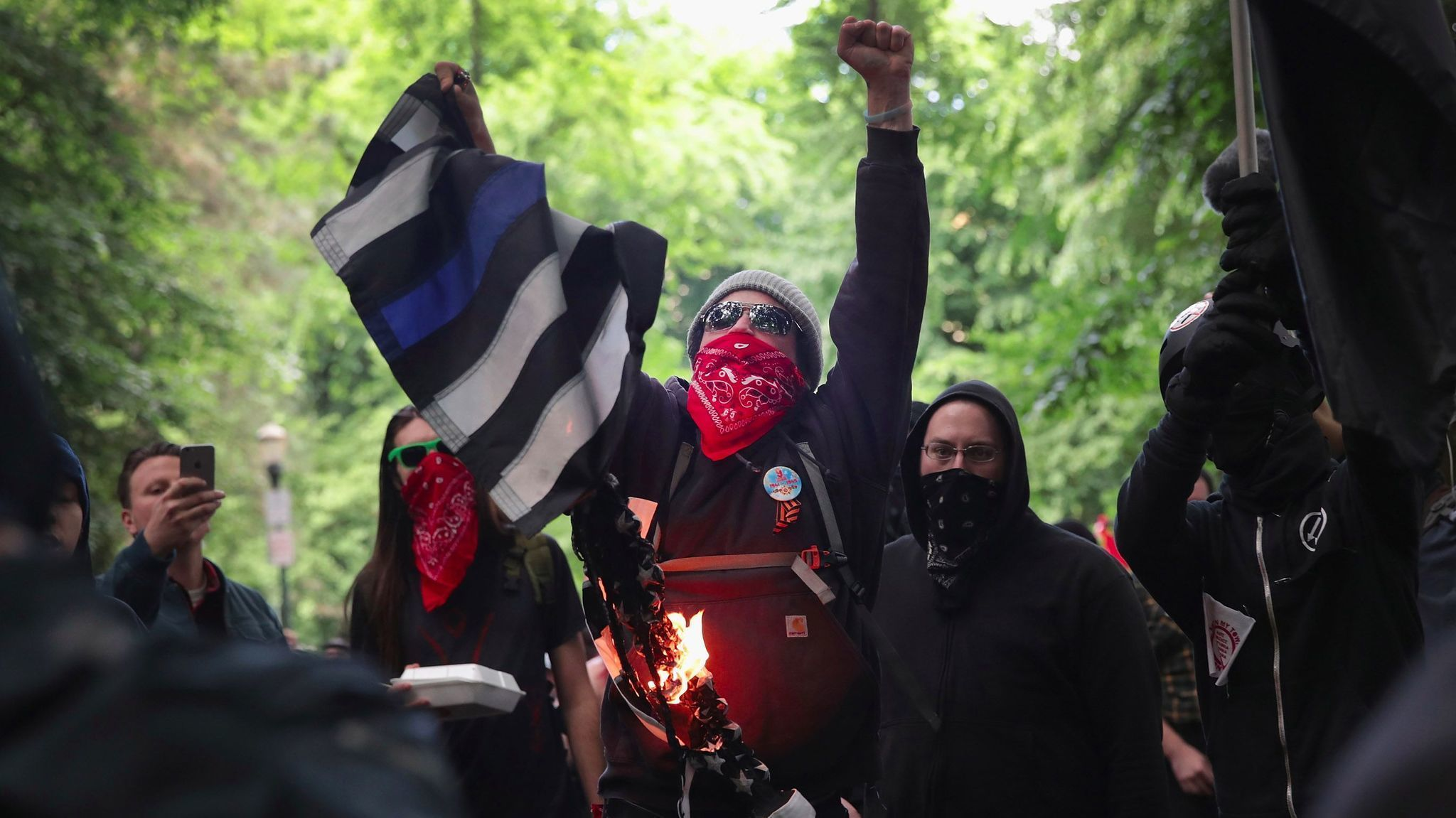 Created At 2017 06 05 0621 Tcash Vaganza 33 Makeup Revolution Demonstrators Began Gathering Sunday In Downtown Portland For A Pro President Trump Free Speech Rally And Pair Of Counter Demonstrations That City