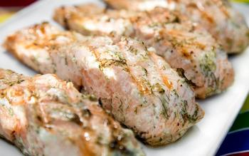 Grilled salmon with dill