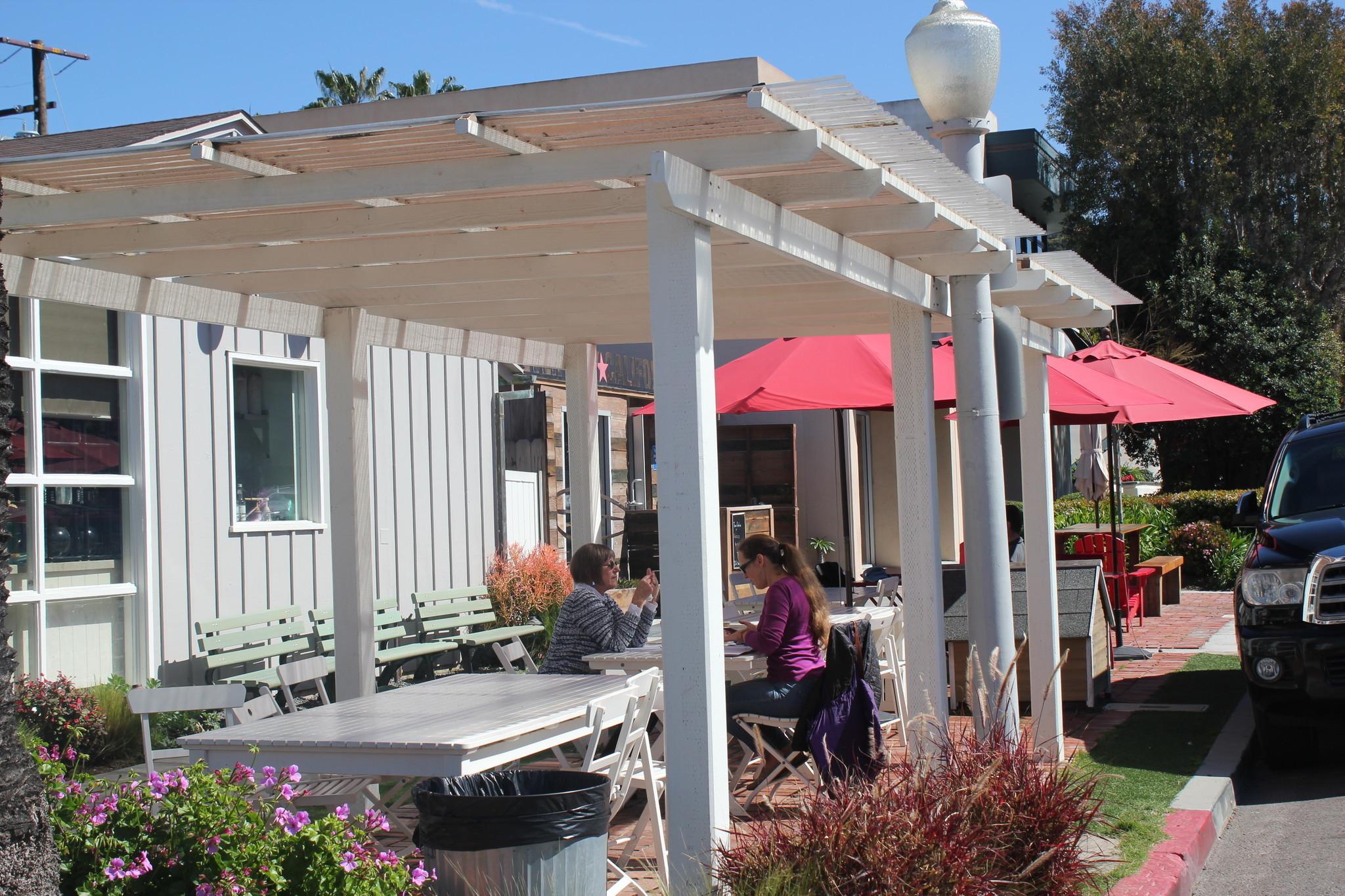 Shorehouse Kitchen trellis can stay in La Jolla, says board - La ...