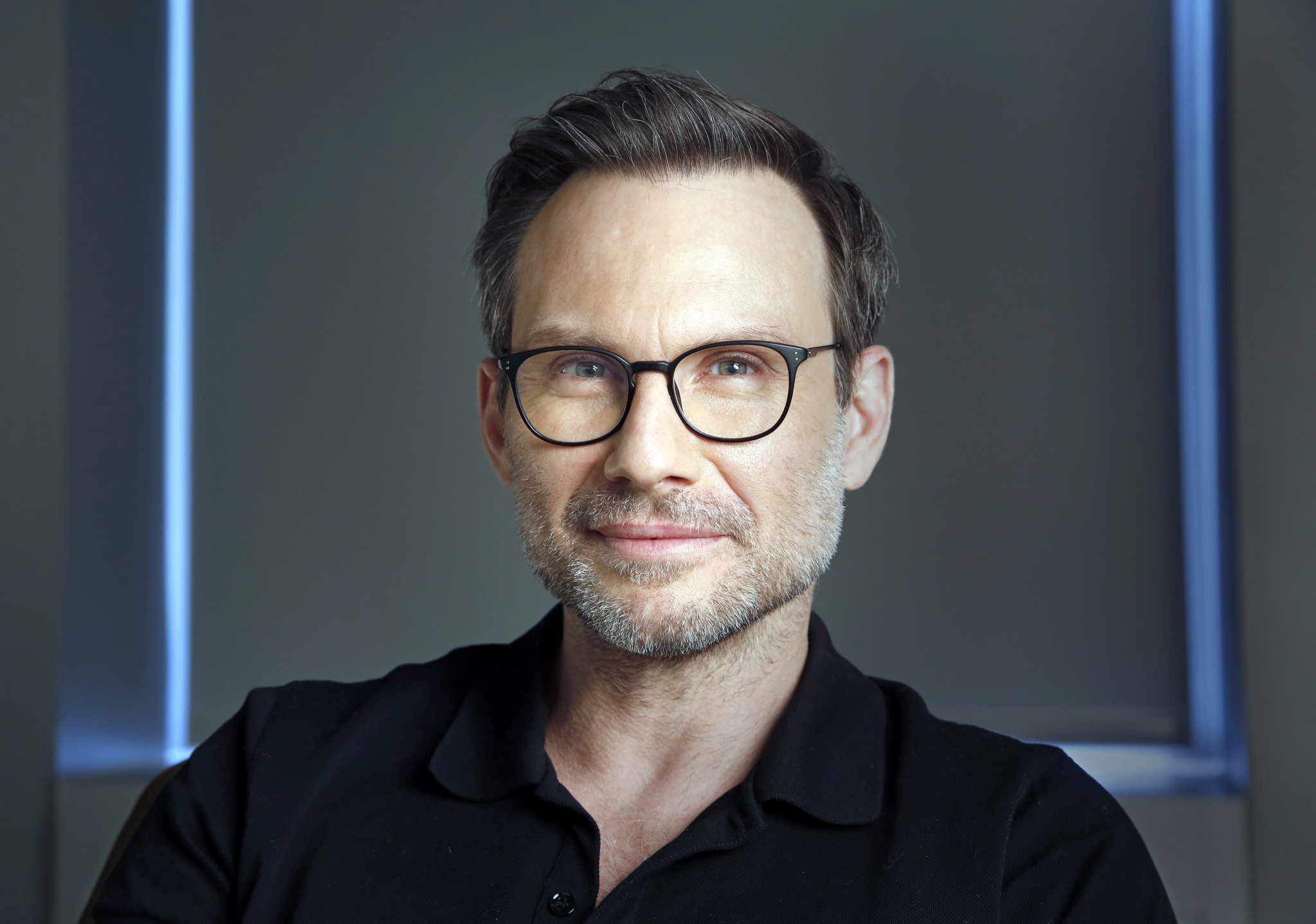 Mr Robots Christian Slater Hints At Lots Of Chaotic Energy In