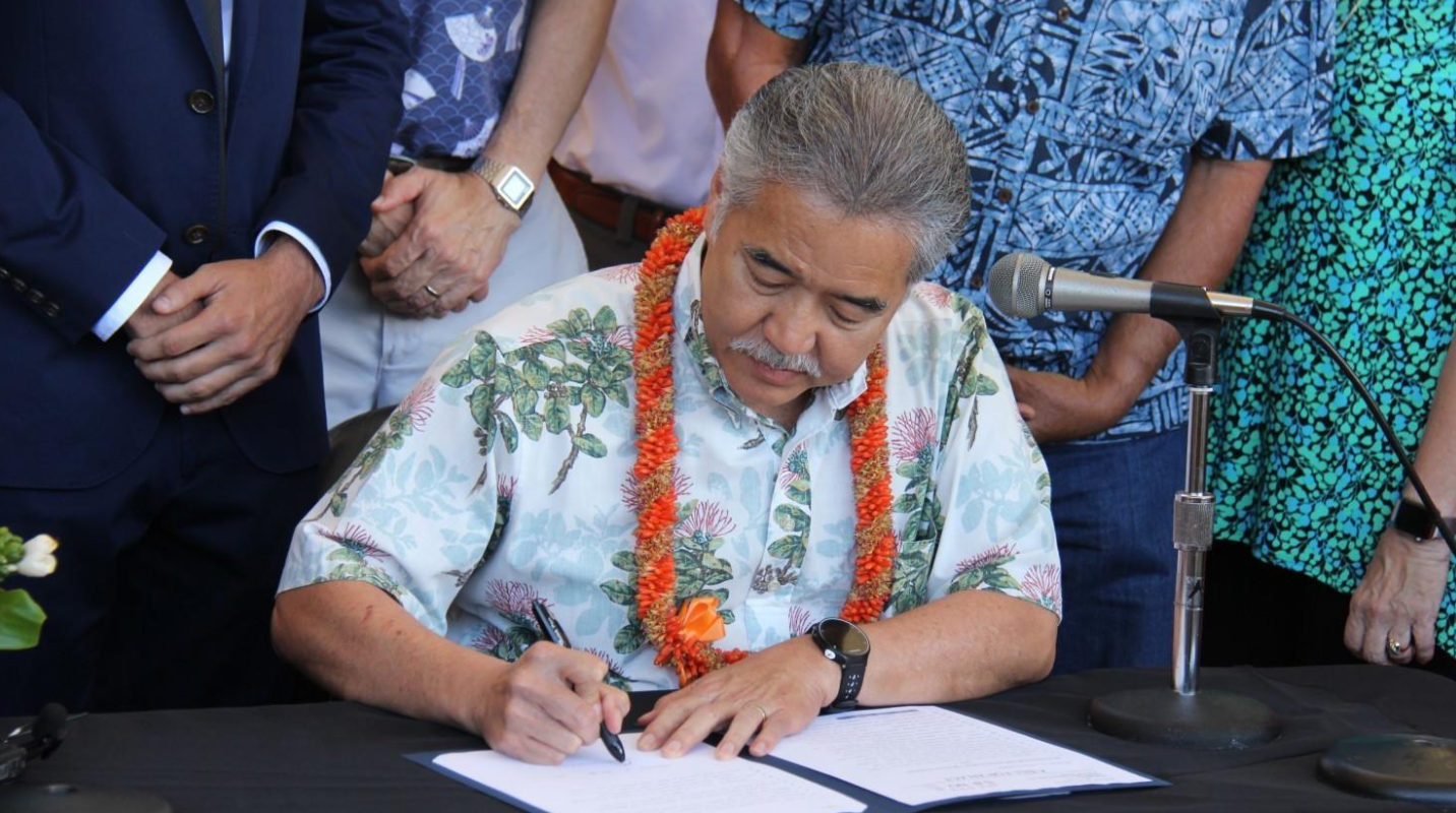 Hawaii becomes first state to pass laws supporting Paris accord