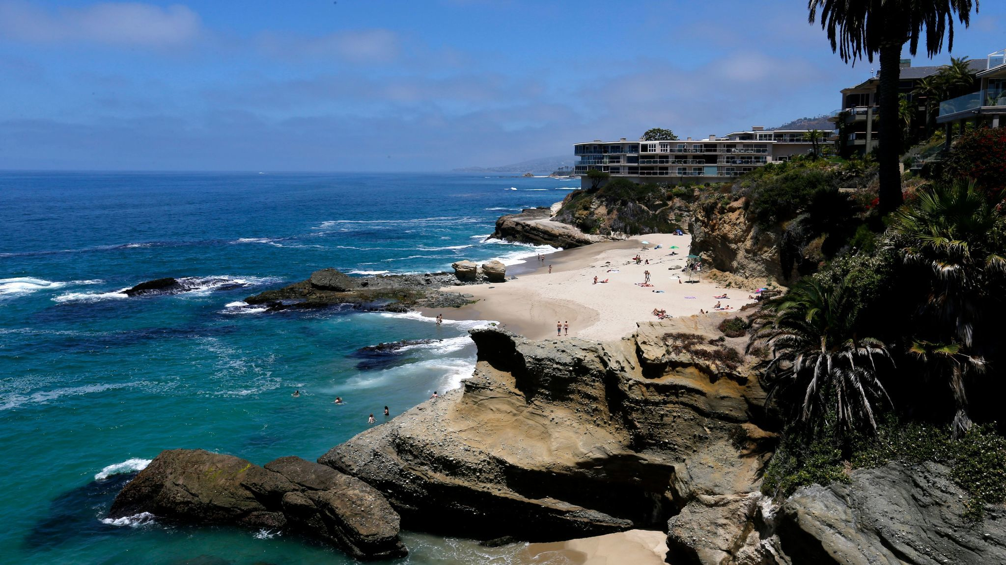 Table Rock in Laguna Beach made the 2017-2017 Heal the Bay Honor Roll earning an A+ grade during all seasons.