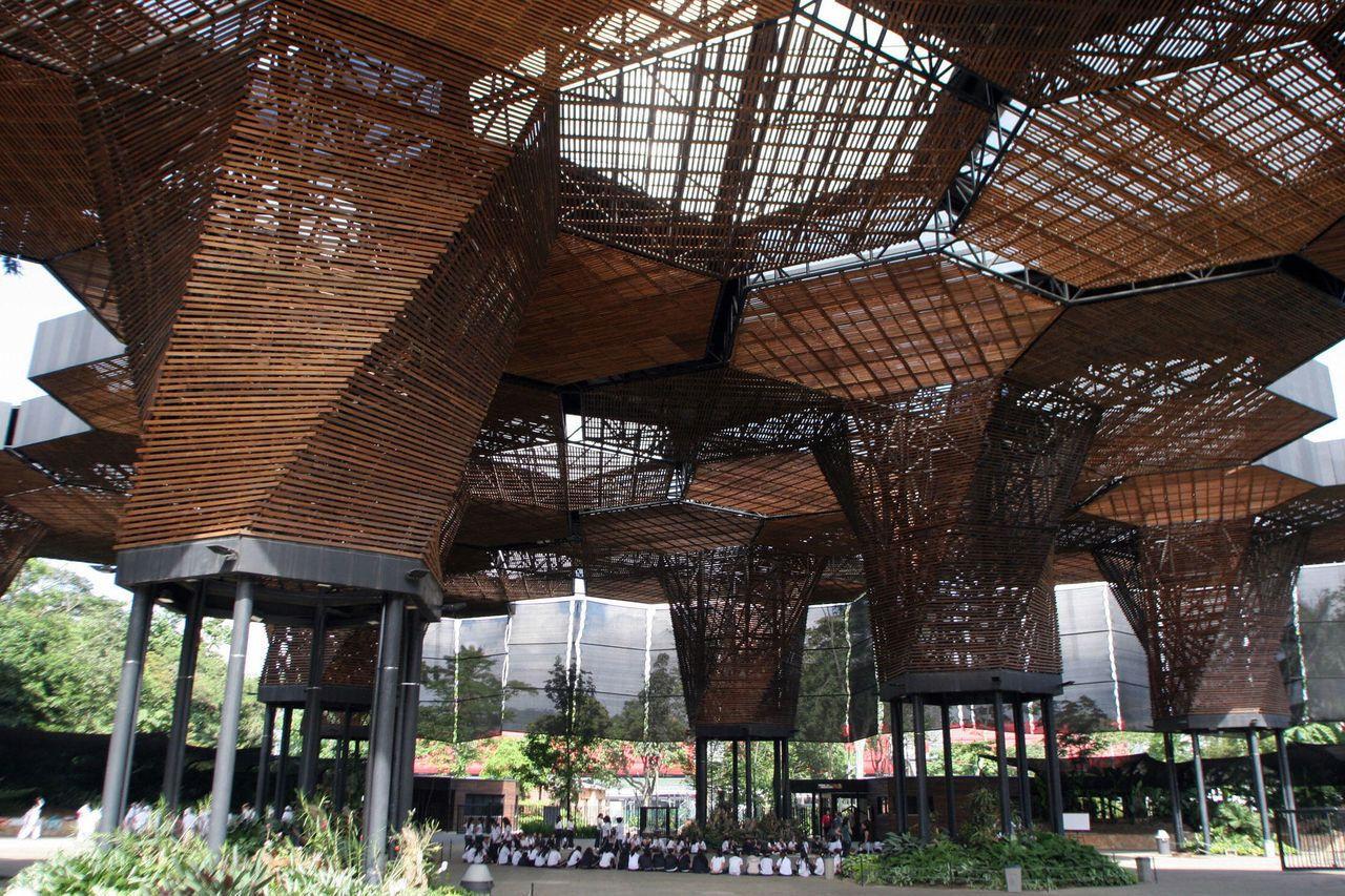Exposici n mostrar el trabajo social de cinco arquitectos for Arquitectos colombianos