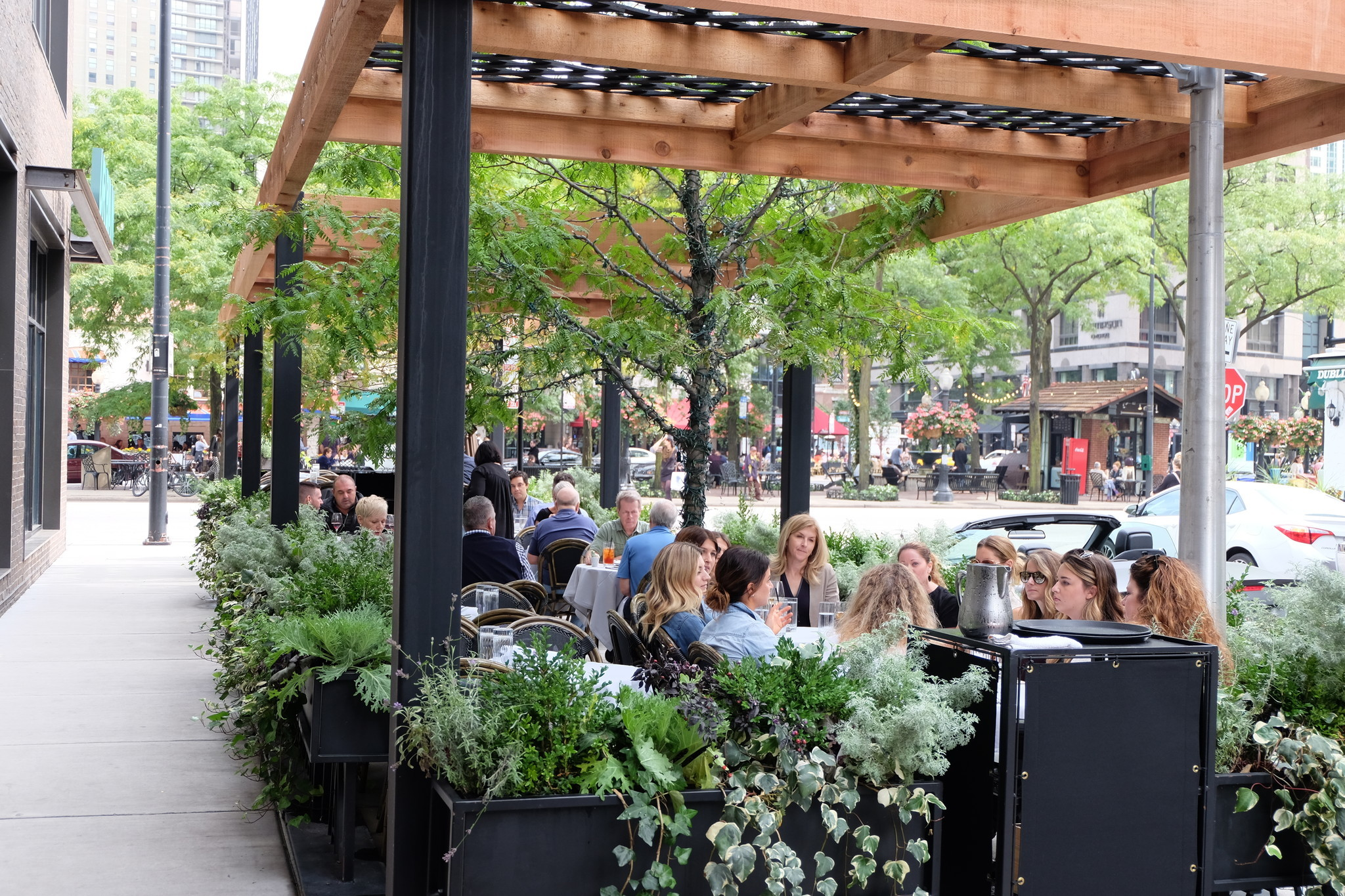 Get out there: 150-plus Chicago patios and rooftops for outdoor eating and drinking