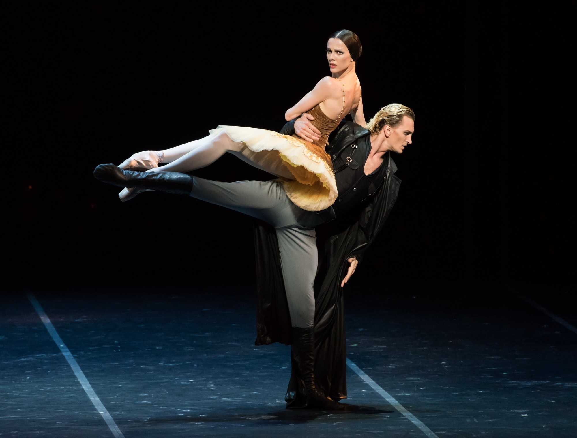 Maria Abashova as Ballerina, Sergey Volobuev as Commissar at Segerstrom.