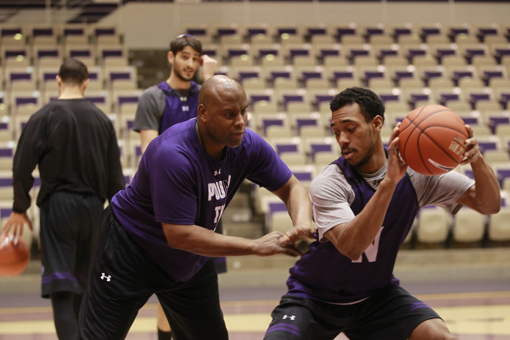 Ct-northwestern-basketball-assistant-leaves-20170620