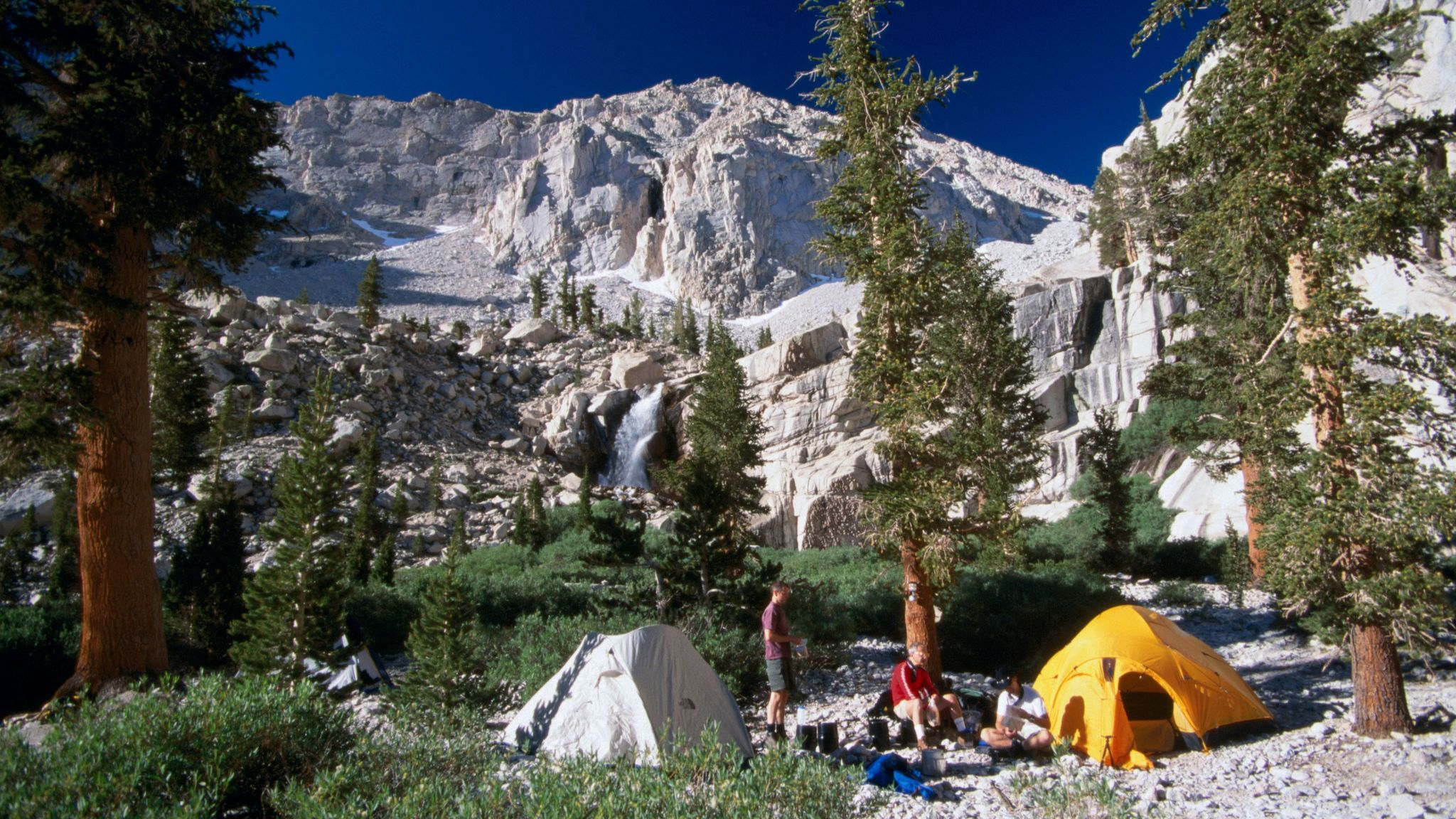 Campers on the Whitney Portal Trail, in the Sierra Nevada mountains, Inyo National Forest, Calif.