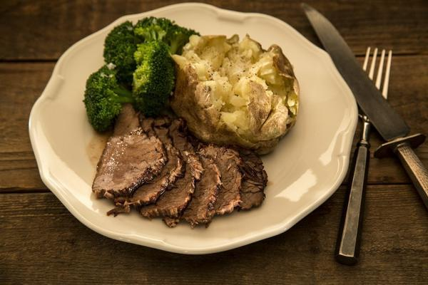 Culinary SOS: An 'amazing' tri-tip pot roast from Mistral in Sherman Oaks