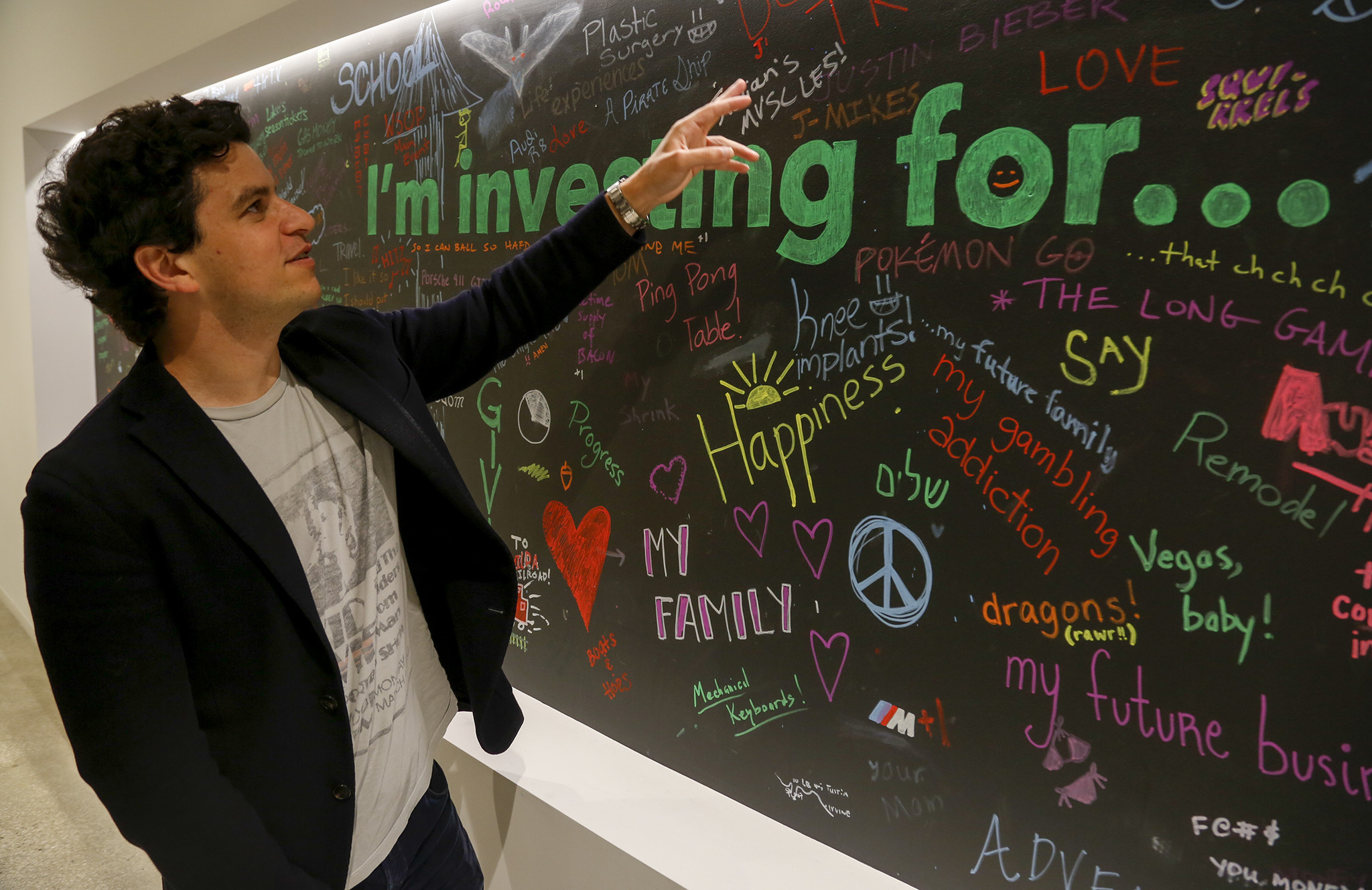 Investing app Acorns doesn't want savings to be a 'bummer,' so just give it your spare change - Los Angeles Times