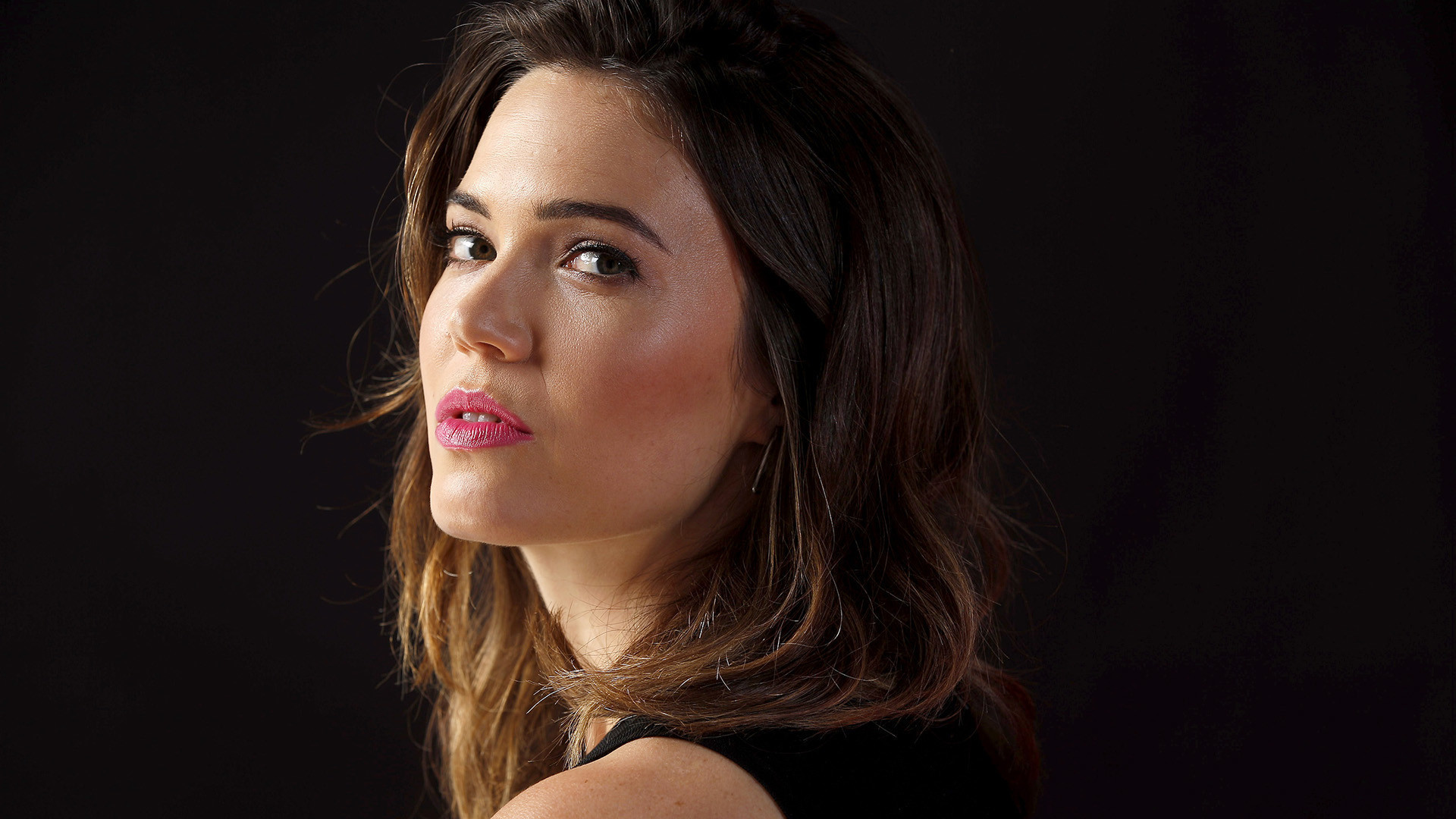 Mandy Moore Of 'this Is Us' Is A 'silicon Valley' Fan