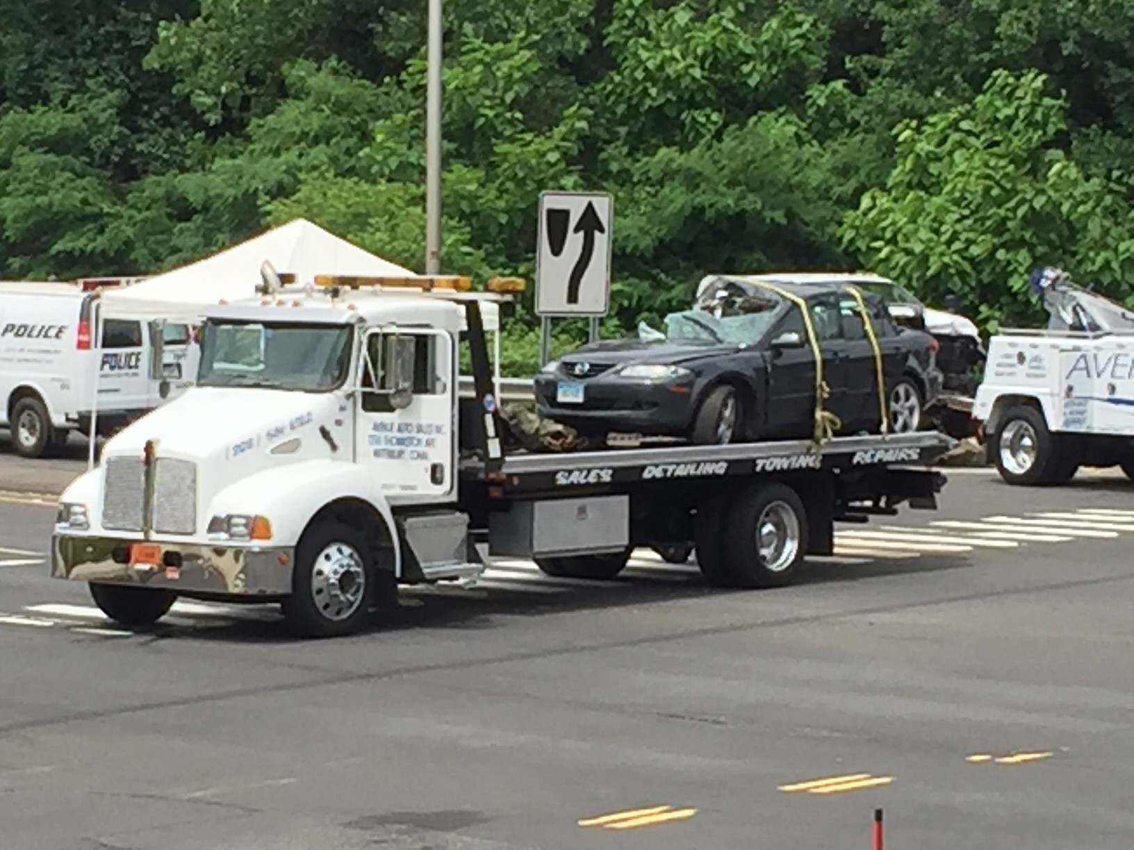 Two dead in waterbury crash hartford courant for Department of motor vehicles waterbury ct