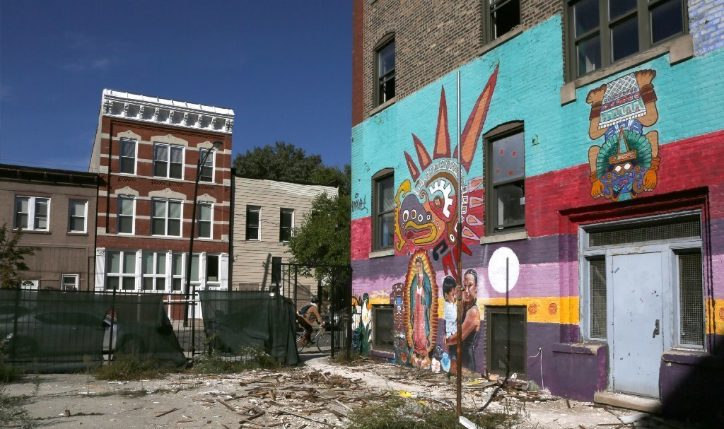 Ct Hoy Casa Aztlan Developer Recreate Mural Pilsen Promises