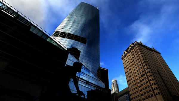 Wilshire Grand Center, the new tallest building in L.A. and a schmoozer in the skyline