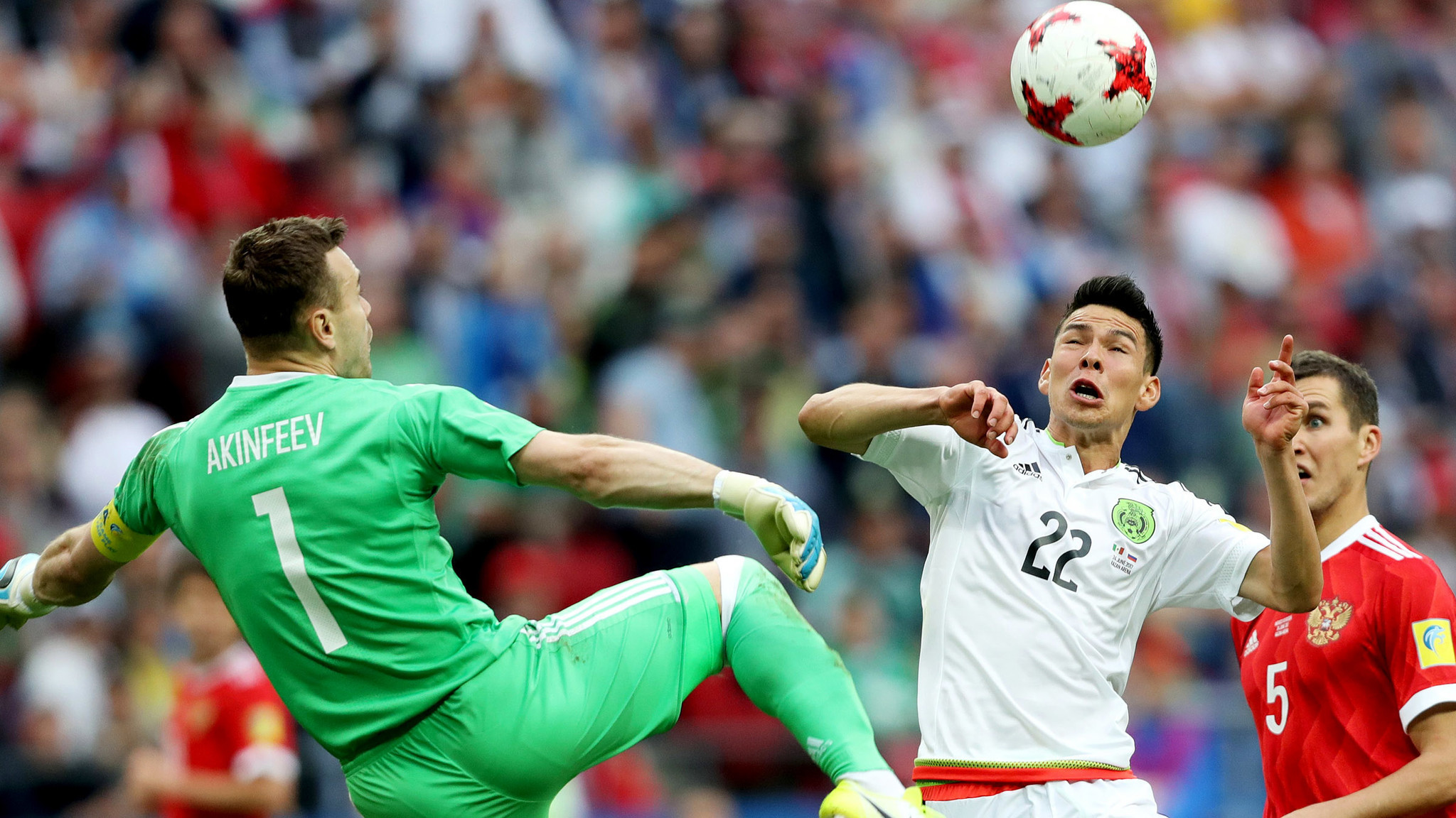 Mexico beats Russia to advance to Confederations Cup semifinal